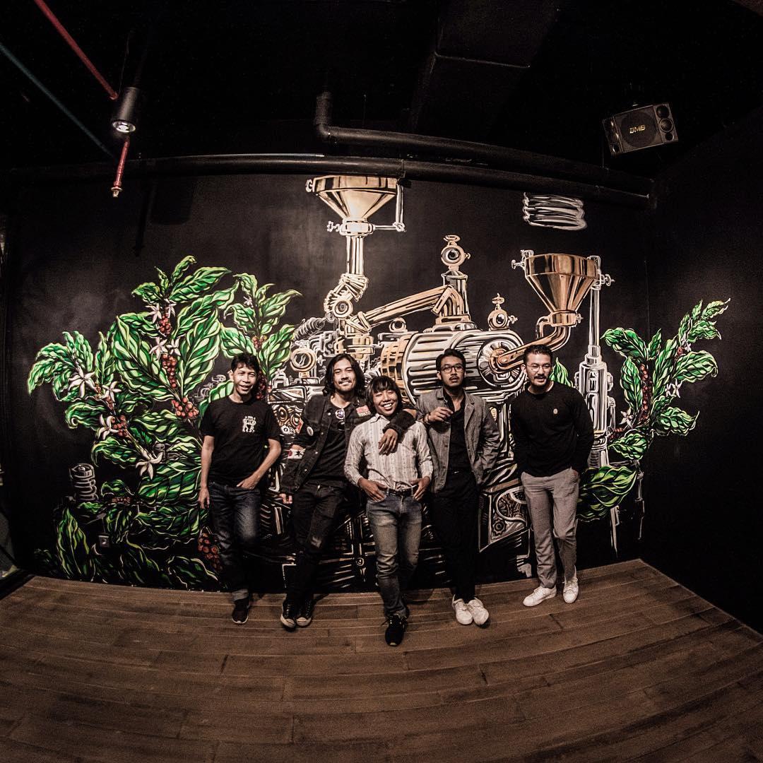 rizkyboncell with filosofi crew 2018